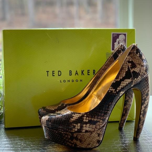 581911c148c3fa Ted Baker Snake SAWP Curved Heel Platforms. M 5c0187161b32942bca42df16